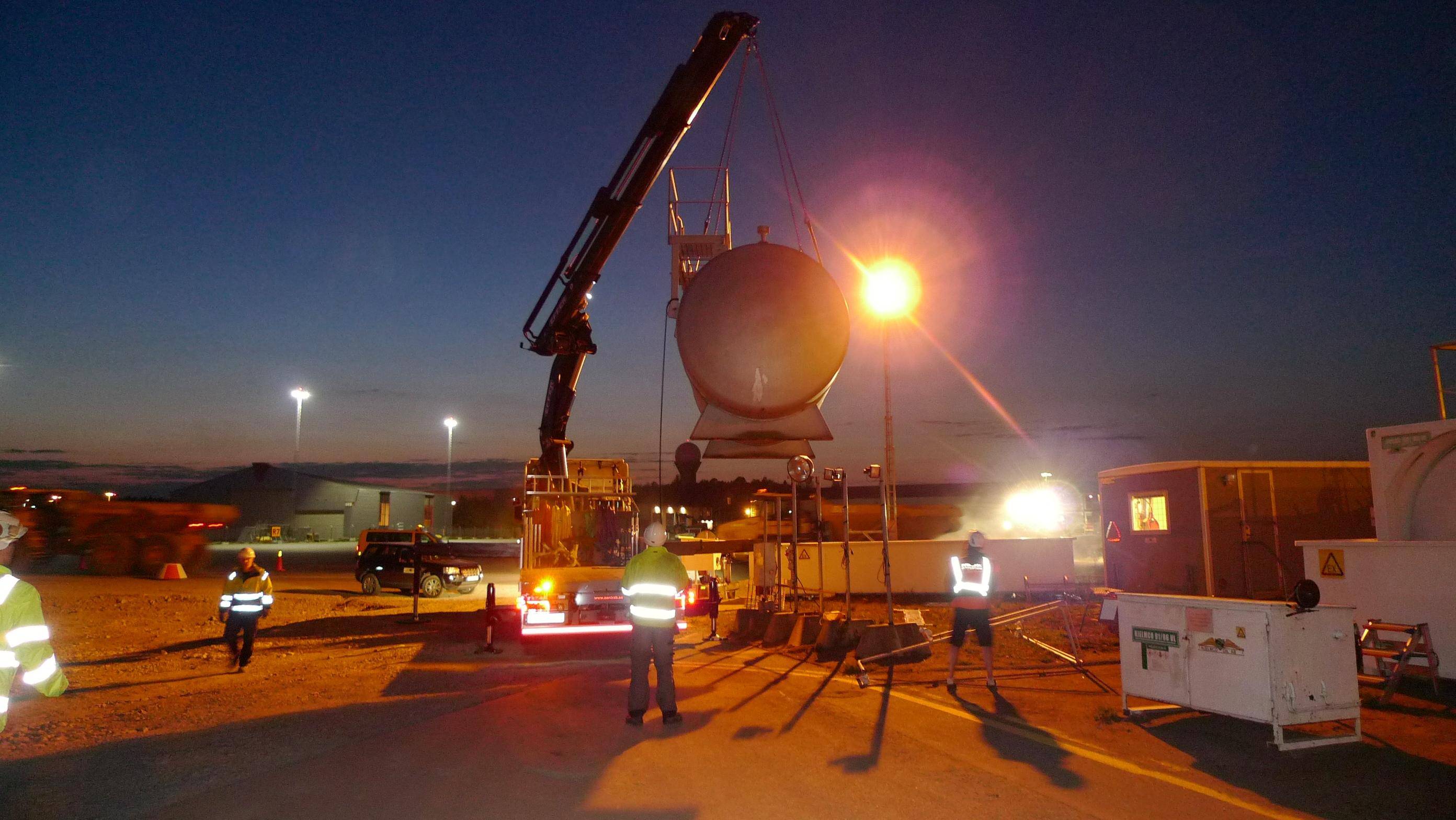 flytt av cisterner Bromma flygplats 020